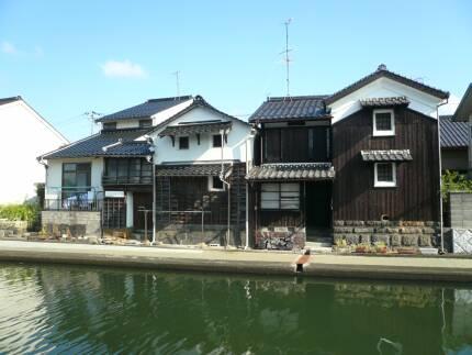 加茂川沿いの町並み4.jpg