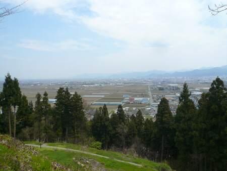 長谷堂城より.jpg