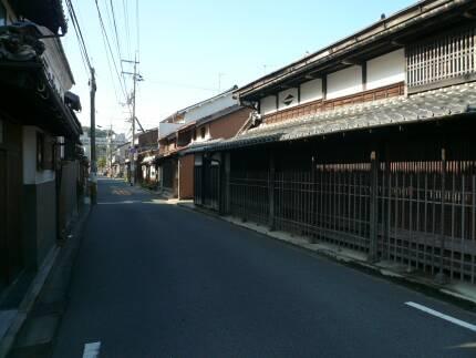 米子賀茂川沿いの町並み1.jpg