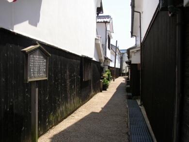 柳井白壁土蔵の町並み