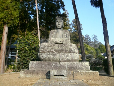 向嶽寺の石仏