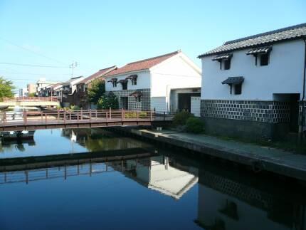 加茂川沿いの町並み5.jpg