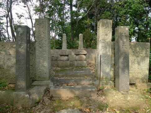 伊達政宗の墓.jpg