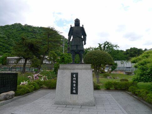 吉川経家像 鳥取城.jpg