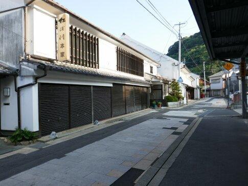 呼子朝市通り7.jpg