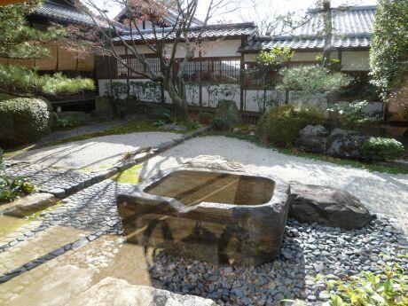 御香宮神社 石庭1.jpg
