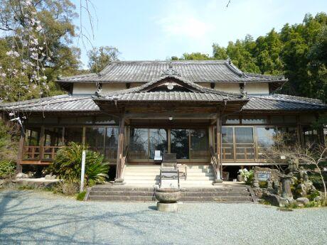 日輪寺本堂.jpg
