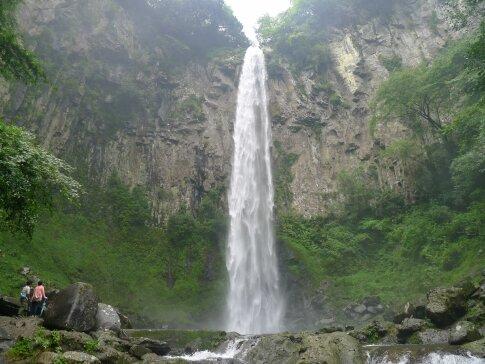東椎屋の滝4.jpg