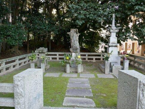 石川数正墓所2.jpg