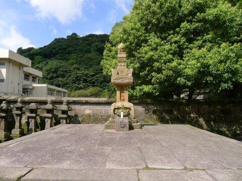 福昌寺 島津斉興の墓.jpg