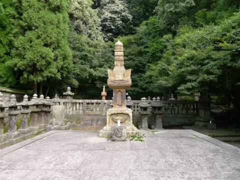 福昌寺 島津重豪の墓.jpg