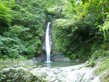 秩父華厳の滝2.jpg