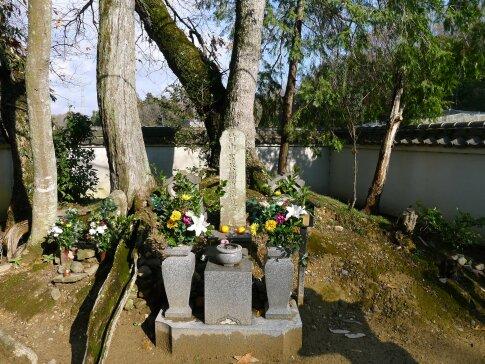 竹中半兵衛の墓.jpg