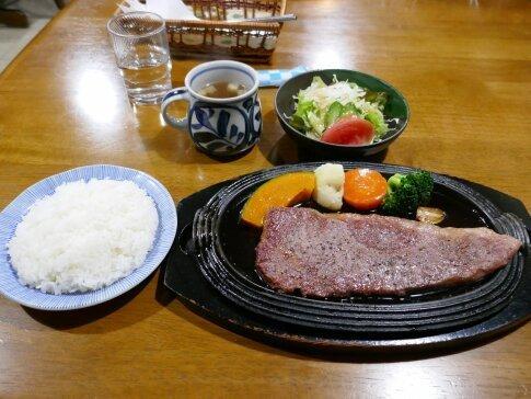 米沢牛ステーキ.jpg
