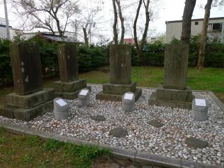 野辺地戦争戦死者の墓.jpg
