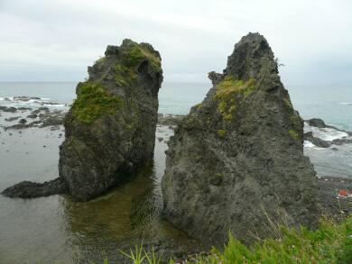 せたな 夫婦岩