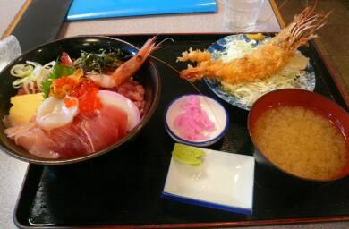 海鮮丼+海老フライ