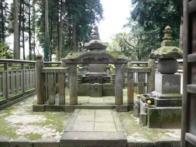 弘経寺 千姫の墓