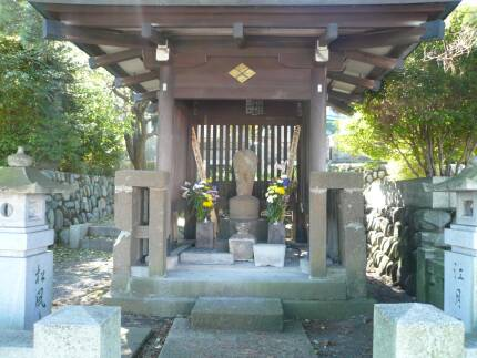 信松院 松姫の墓.jpg