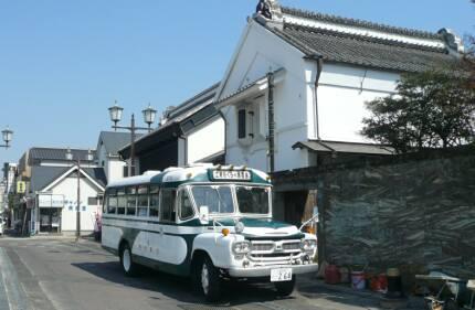 水戸街道土浦の町並み バス.jpg