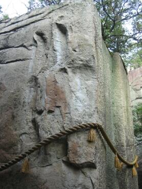 石の宝殿3.jpg