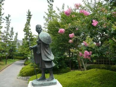 草加松原の松尾芭蕉