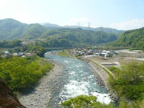 棚下不動の滝karano.jpg