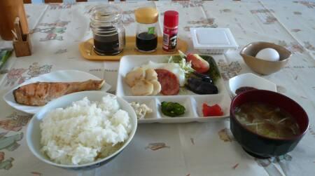 民宿ふるさと 朝食.jpg
