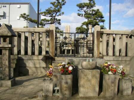 木村重成の墓2.jpg
