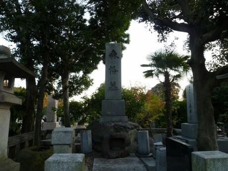 森格の墓.jpg