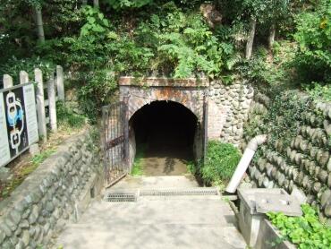 観音洞窟入り口