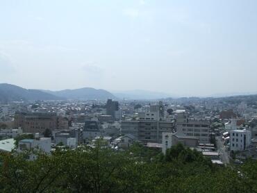 津山城から