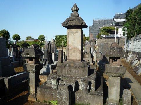 04龍興寺 飯塚染子の墓.jpg