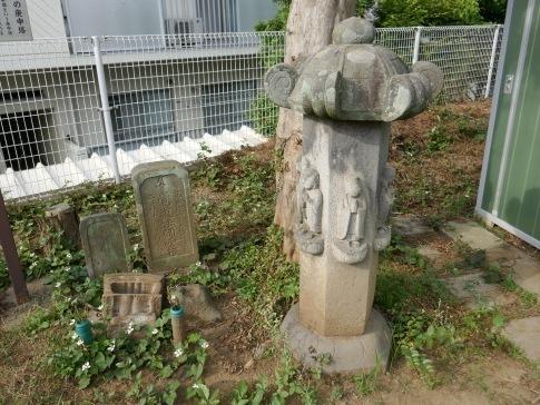 11行屋稲荷の庚申塔2.jpg