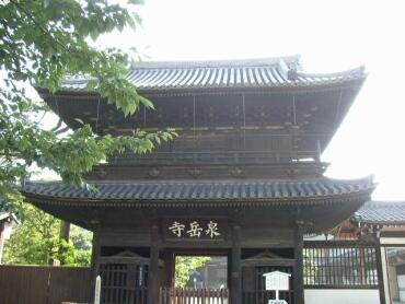 泉岳寺山門.jpg