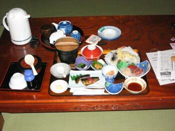神居岩の夕食.jpg