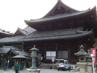 長谷寺本堂(国宝).jpg