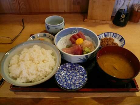 刺身定食(かんのん食堂).jpg