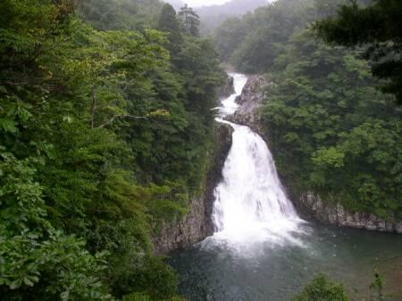 法体の滝.jpg