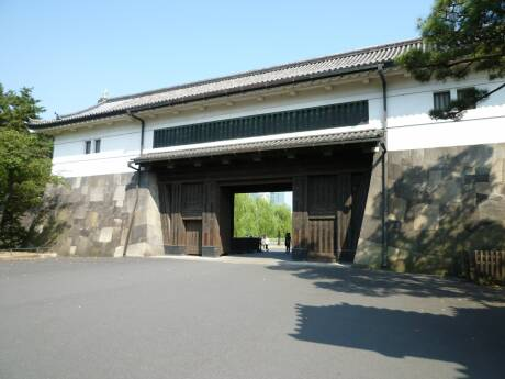 こちら本物の桜田門.jpg