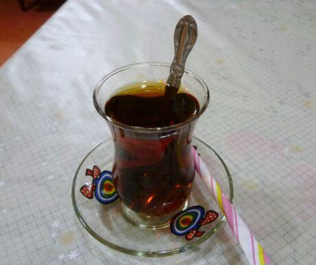 とんでイスタンブール トルコ茶.jpg