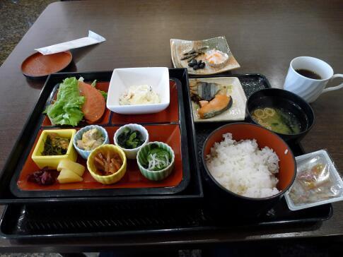 ホテルなみ朝食.jpg