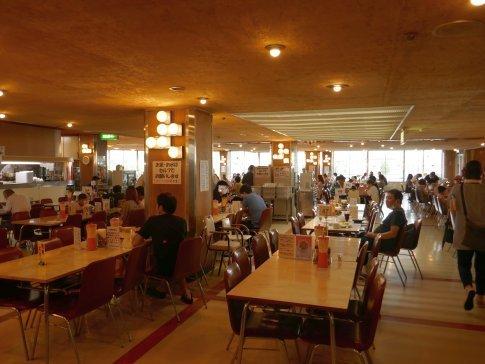 マルカンビル大食堂3.jpg