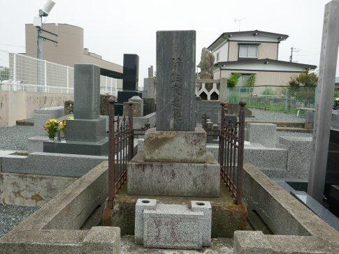 中野優子の墓2.jpg