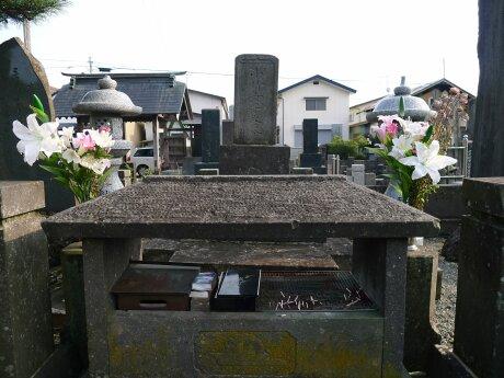 中野竹子の墓3.jpg