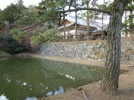 亀山城.jpg