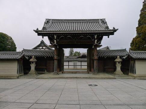 亀山本徳寺2.jpg