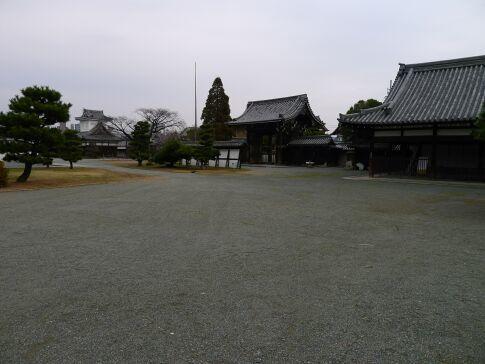 亀山本徳寺5.jpg