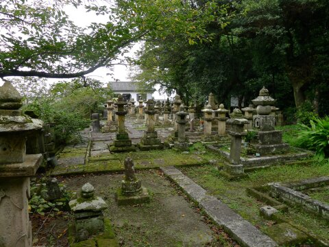 今泉島津家墓地2.jpg