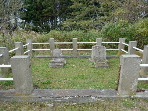 会津藩士の墓.jpg